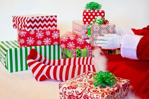 santas-elf-presents